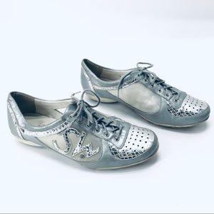 Stuart Weitzman Silver Mesh Sneakers Walkers Sz 8